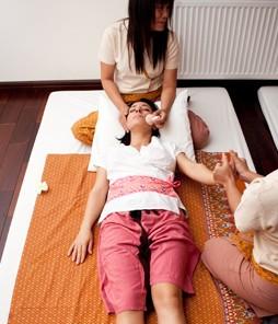 Традиционный тайский массаж в четыре руки 60 мин