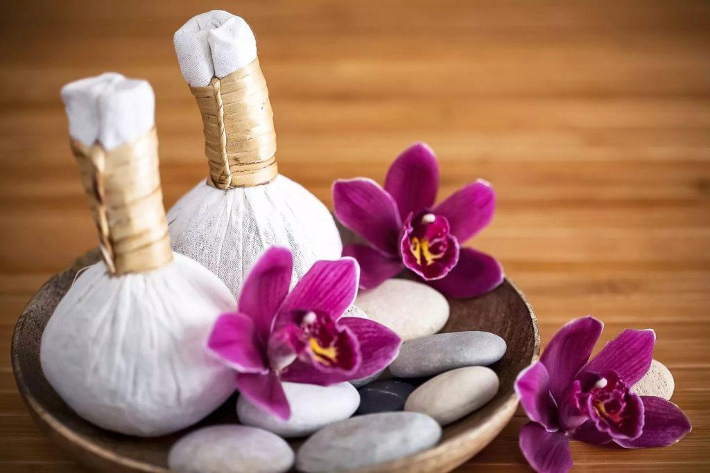 Тайский массаж травяными мешочками как выполняется